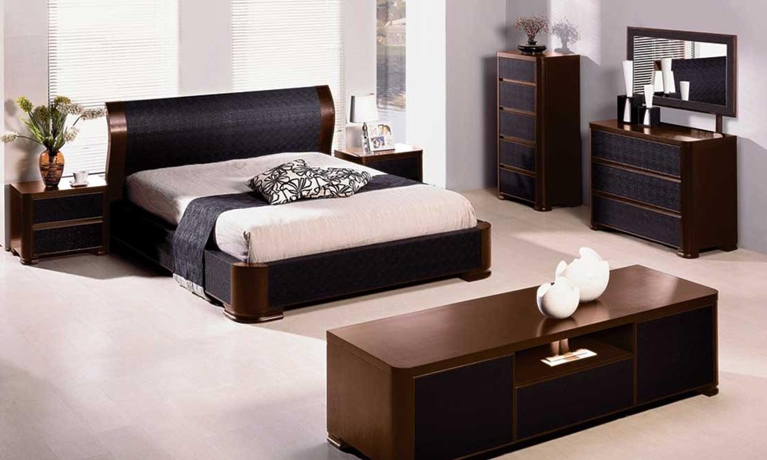 фото интерьер спальни с тёмной мебелью
